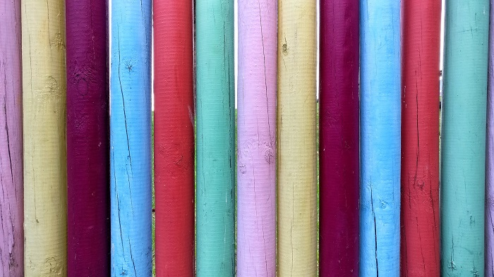 Farba na drevo s UV
